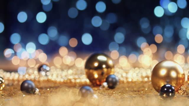 silver och white christmas bollar - silverfärgad bildbanksvideor och videomaterial från bakom kulisserna