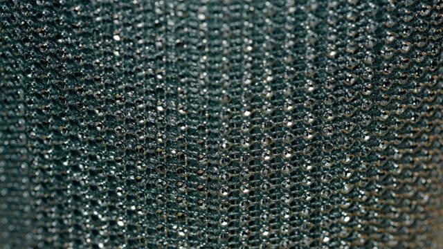 dekorative silberkette verziert mit kristalle - kettenglied stock-videos und b-roll-filmmaterial