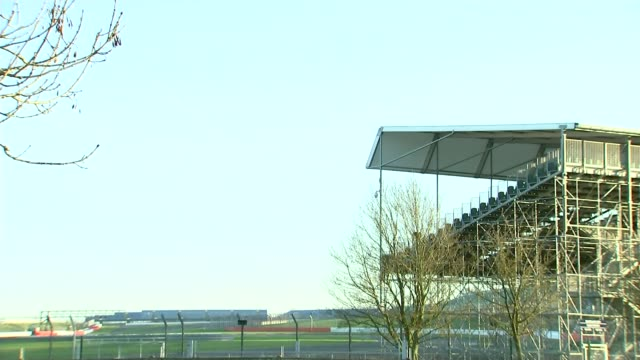 silverstone may stop staging the british grand prix for economic reasons; northamptonshire: silverstone: ext sign at entrance to the silverstone... - silverstone stock videos & royalty-free footage
