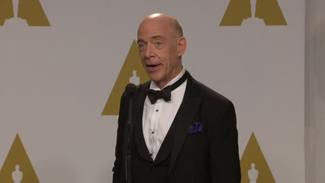 stockvideo's en b-roll-footage met jk simmons at 87th annual academy awards press room at dolby theatre on february 22 2015 in hollywood california - dolby theatre