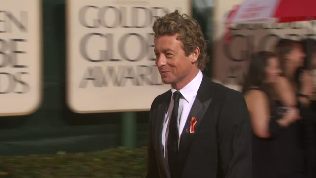 simon baker at the 67th annual golden globe awards arrivals part 4 at beverly hills ca - ゴールデングローブ賞点の映像素材/bロール