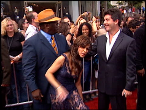 simon cowell at the american idol finale at the kodak theatre in hollywood california on september 4 2002 - 2002 bildbanksvideor och videomaterial från bakom kulisserna