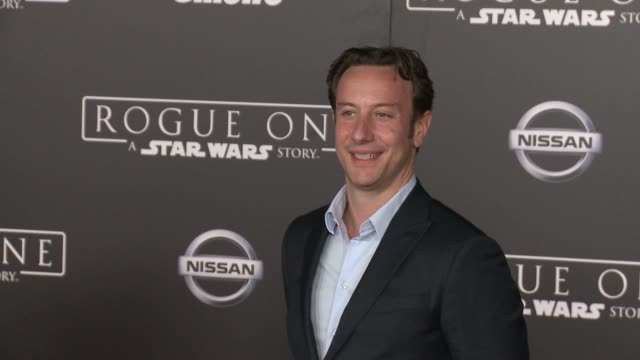 """vídeos de stock, filmes e b-roll de simon emanuel at """"rogue one: a star wars story"""" world premiere at the pantages theatre on december 10, 2016 in hollywood, california. - série de filmes star wars"""