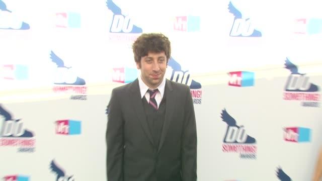 Simon Helberg at the 2010 VH1 Do Something Awards at Hollywood CA