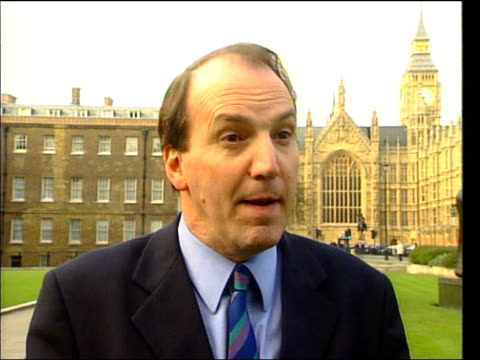 simon hughes mp interviewed sot - the tory party who were in government an responsible for many of these issues are being irresponsible in... - letterbox bildbanksvideor och videomaterial från bakom kulisserna
