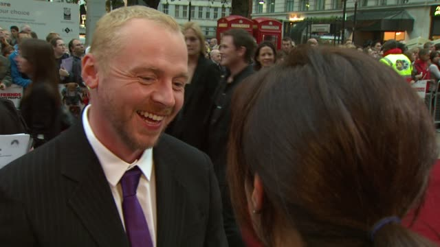 simon pegg at the how to lose friends and alienate people london premiere at london - simon pegg stock videos & royalty-free footage