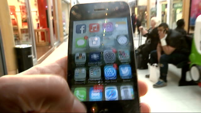 vídeos de stock, filmes e b-roll de simon to feature in new 'information age' exhibition at science museum; date unknown location unknown: ext point of view shot of iphone being used as... - new age