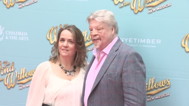 stockvideo's en b-roll-footage met simon weston and lucy weston at the wind in the willows press night / vip gala at london palladium on june 29 2017 in london england - london palladium