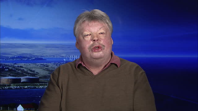 simon weston falklands veteran talk on falklands argentina tension the royal navy is sending one of its most advanced warships to the south atlantic... - atlantic islands stock videos & royalty-free footage