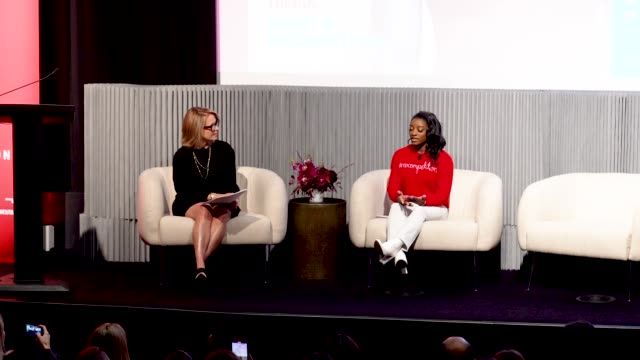 stockvideo's en b-roll-footage met simone biles and katie couric discuss body image at crosby street hotel on march 04, 2020 in new york city. - interview ruw materiaal