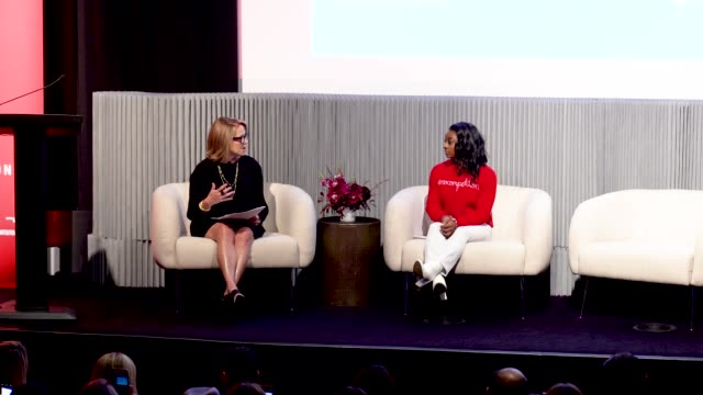 stockvideo's en b-roll-footage met simone biles and katie couric discuss inner beauty at crosby street hotel on march 04, 2020 in new york city. - interview ruw materiaal