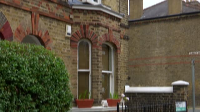 Jury hears 999 call confession ENGLAND London Battersea UP flat where Simonne Kerr was murdered