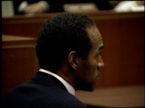 oj simpson at the oj simpson arraignment at downtown criminal courts in los angeles california on july 22 1994 - 1994 bildbanksvideor och videomaterial från bakom kulisserna