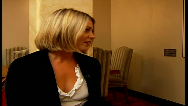London Ashlee Simpson interview SOT always wanted to sing and perform in the theatre