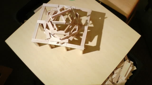 Simulating earth quake with wooden blocks