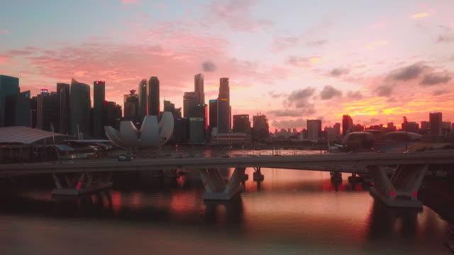 stockvideo's en b-roll-footage met de stad luchtmening van singapore bij zonsondergang - singapore