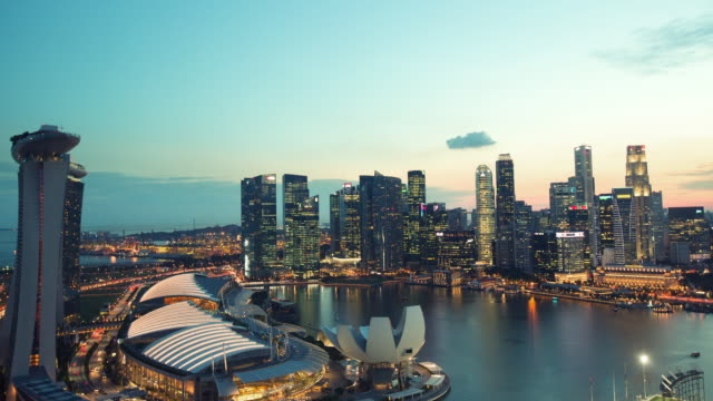 vidéos et rushes de ws cs tl singapore city day to night timelapse - singapour