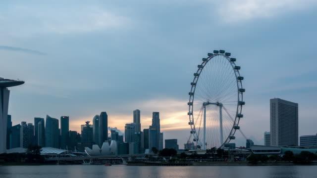 Singapore Cityscape zonsondergang in de schemering