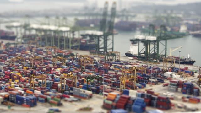 シンガポール埠頭ます。hd タイムラプス tilt shift 効果 - 商港点の映像素材/bロール