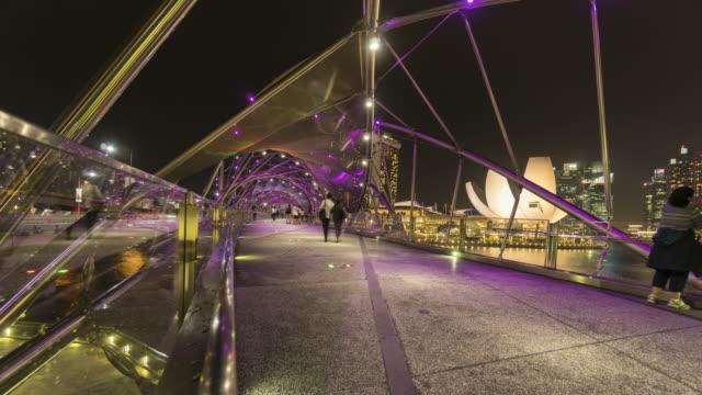 vidéos et rushes de pont de singapour helix - mèche colorée