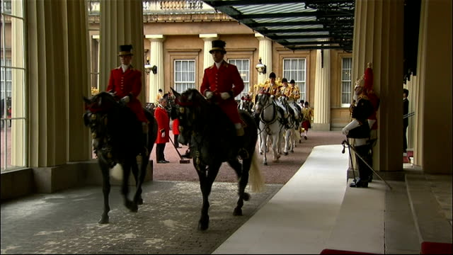 singapore president state visit to britain: day 1: arrivals at buckingham palace; england: london: buckingham palace: ext guards on duty at palace /... - state visit stock videos & royalty-free footage