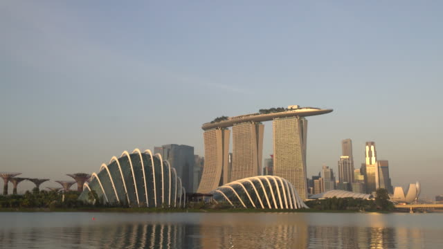ws zi singapore skyline at sunrise - marina bay sands stock videos and b-roll footage
