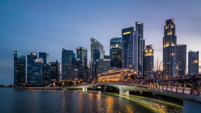 T/L WS Singapore Skyline Day to Night Transition / Singapore