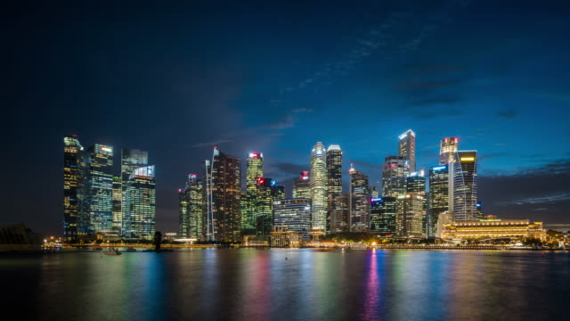 T/L WS Singapore Skyline Day to Night Transition / Singapore