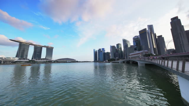 ws singapore skyline, marina bay sands. - marina bay sands stock videos and b-roll footage