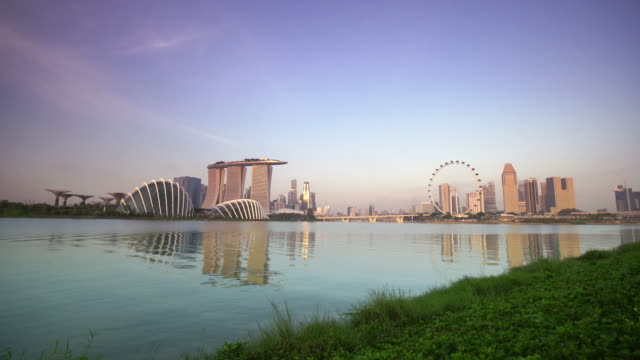 WS Singapore skyline with Marina Bay Sands and Singapore Flyer