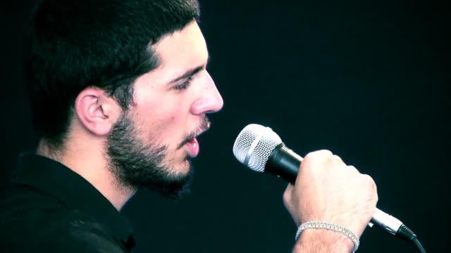 歌手、ダンサー - 歌う点の映像素材/bロール
