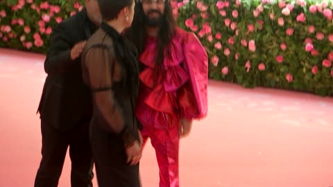 singer harry styles arrives at the 2019 met gala in new york city. - music or celebrities or fashion or film industry or film premiere or youth culture or novelty item or vacations stock videos & royalty-free footage