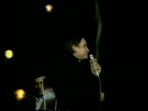 singer johnny cash dies; unsourced = no resale/reuse usa: ???: johnny cash performing on stage - johnny cash stock videos & royalty-free footage