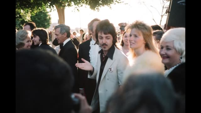 GIF Singer Paul McCartney with his wife Linda McCartney arrive to the 46th Academy Awards at Dorothy Chandler Pavilion in Los AngelesCalifornia
