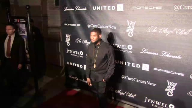 vidéos et rushes de singersongwriter usher attends angel ball 2015 hosted by gabrielle's angel foundation at cipriani wall street on october 19 2015 in new york city - usher chanteur