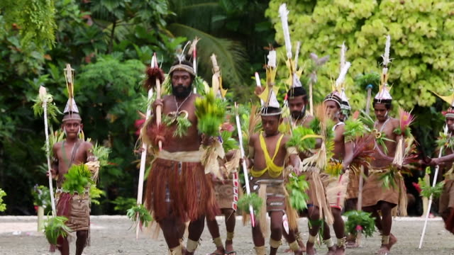 sing-sing ceremony performed for tourists in papua new guinea. - pacific islanders stock videos & royalty-free footage