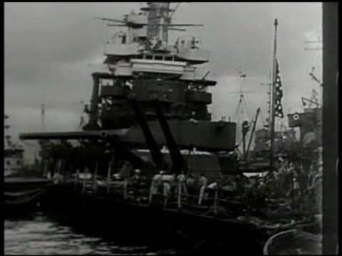 sinking destroyer ship ws capsized battleship rescue repair crews survivors casualties attack on pearl harbor day of infamy december 7 japanese japan... - 真珠湾攻撃点の映像素材/bロール