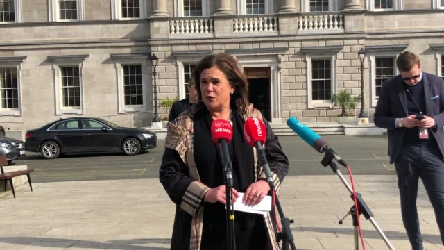 sinn fein leader mary lou mcdonald has called for all nonessential businesses to be closed to fight the spread of covid19 speaking at leinster house... - シンフェイン点の映像素材/bロール
