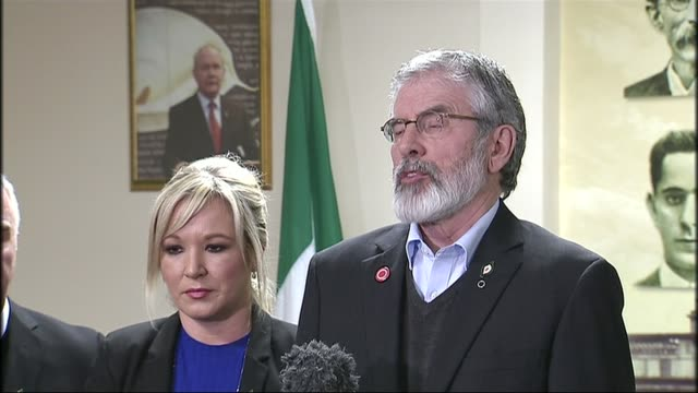 sinn fein politician and former ira terrorist martin mcguinness dies aged 66 int adams and michelle o'neill mla into room for press conference gerry... - gerry adams stock videos and b-roll footage