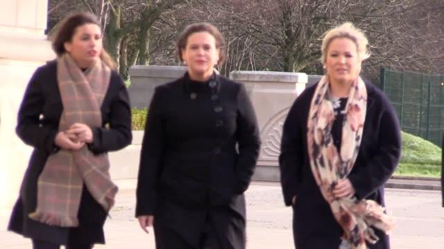 sinn fein's president elect mary lou mcdonald and stormont leader michelle o'neill arrive for powersharing talks in northern ireland - アルスター州点の映像素材/bロール