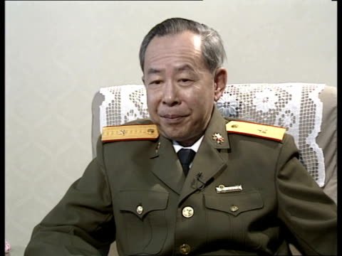 beijing cms brig gen cheng mingquin intvw in which he says thru interpreter that better sino soviet relations will be beneficial to peace stability... - symbiose stock-videos und b-roll-filmmaterial