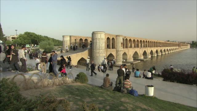 WS PAN Si-o-Se Pol Bridge (Allah-Verdi Khan Bridge) and promenade, Isfahan, Iran