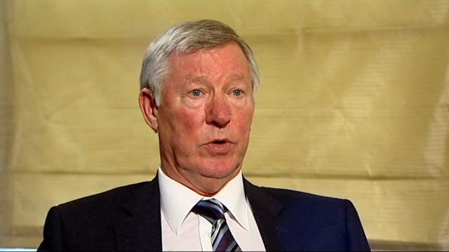 sir alex ferguson autobiography; london: int sir alex ferguson interview sot - when he fell in love with victoria that was big changing point in his... - biografia video stock e b–roll