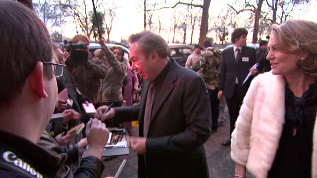 sir andrew lloyd-webber at the the laurence olivier awards at the grosvenor house in london on march 9, 2008. - ローレンス オリビエ点の映像素材/bロール