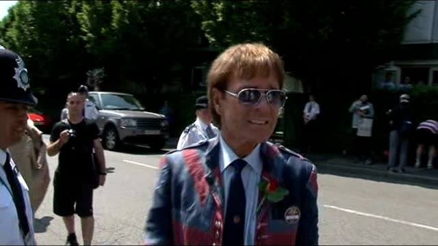 sir cliff richard historic sex offence allegation: police say a number of people have come forward with information; r07071313 / 7.7.2013 wimbledon:... - cliff richard stock videos & royalty-free footage