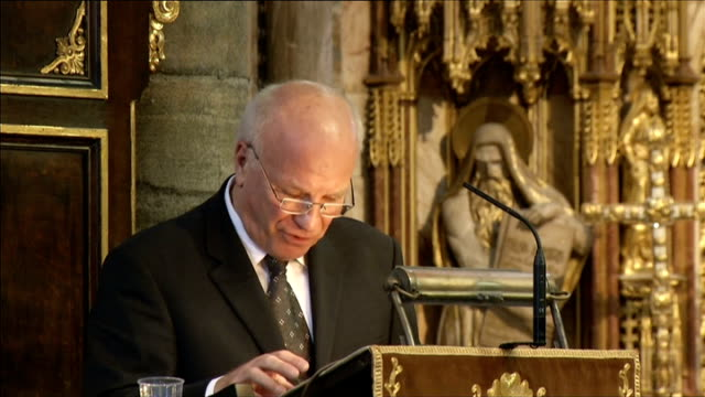 sir david frost memorial service at westminster abbey int greg dyke addressing david frost memorial service sot prince charles lays floral wreath on... - greg dyke stock videos & royalty-free footage