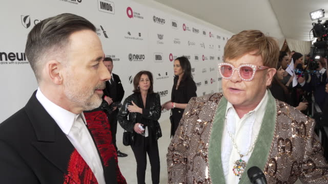 interview sir elton john at the 27th annual elton john aids foundation academy awards viewing party sponsored by imdb and neuro drinks on february 24... - oscar party stock-videos und b-roll-filmmaterial
