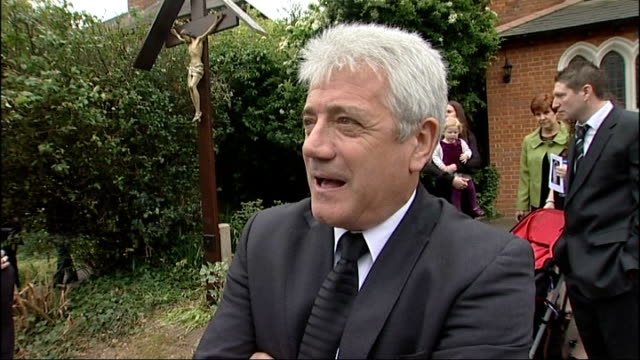kevin keegan interview sot worked with him on brut advert / felt comfortable with him sir terry wogan and jimmy tarbuck outside church cliff morgan... - terry wogan stock-videos und b-roll-filmmaterial