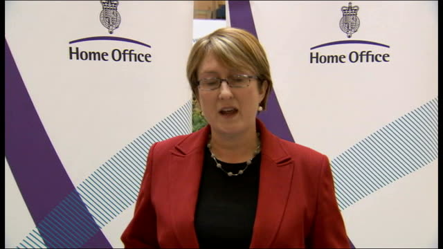 sir ian blair resigns as metropolitan police commissioner jacqui smith statement england london home office int jacqui smith mp press conference sot... - bedauern stock-videos und b-roll-filmmaterial