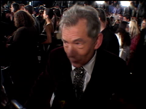 sir ian mckellen at the premiere of 'the lord of the rings the return of the king' on december 3 2003 - ian mckellen stock videos and b-roll footage